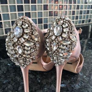 Badgley Mischka Dawn Size 7 Sandal